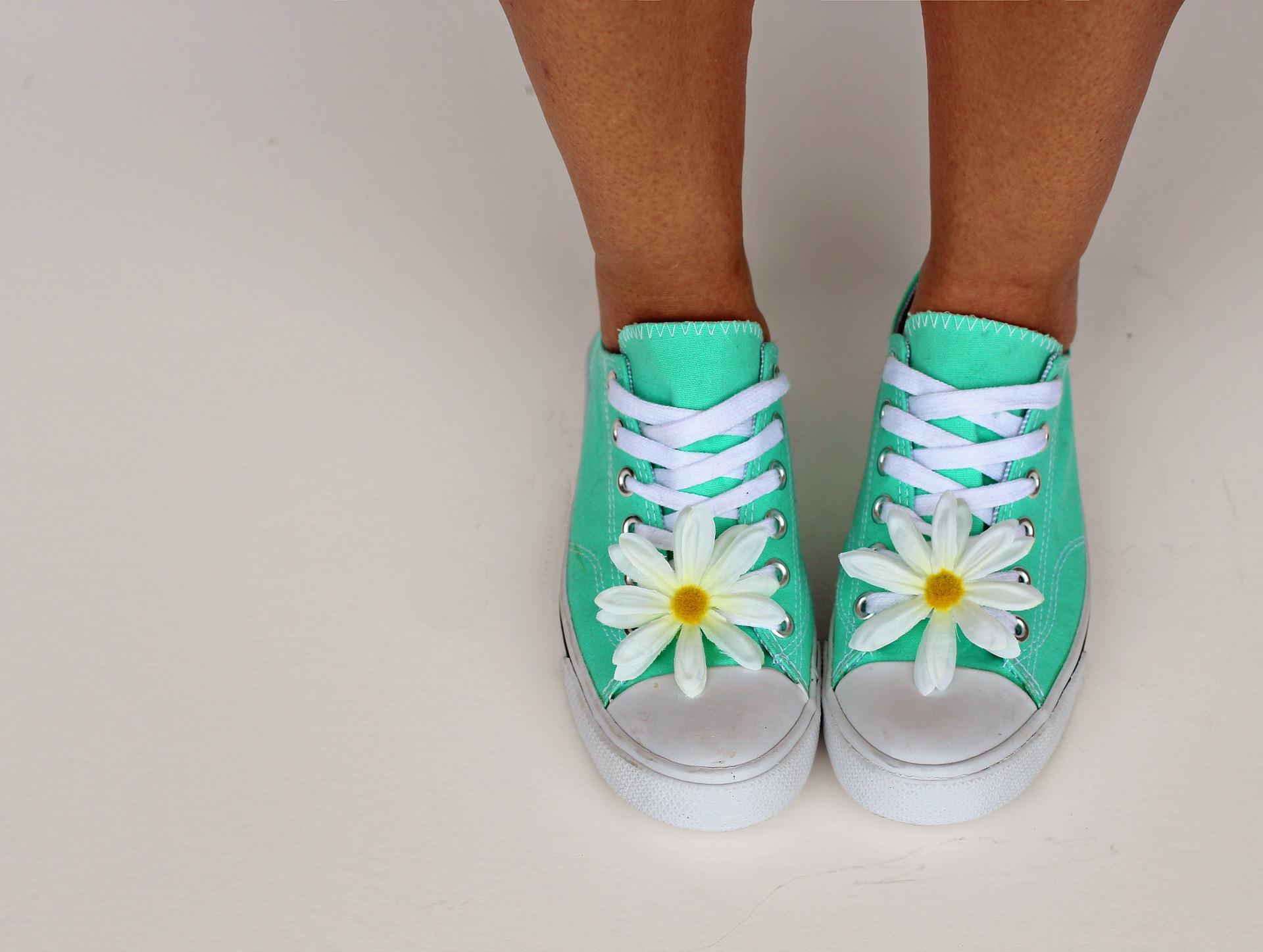 Dopasowywanie butów – obuwie na wiosnę