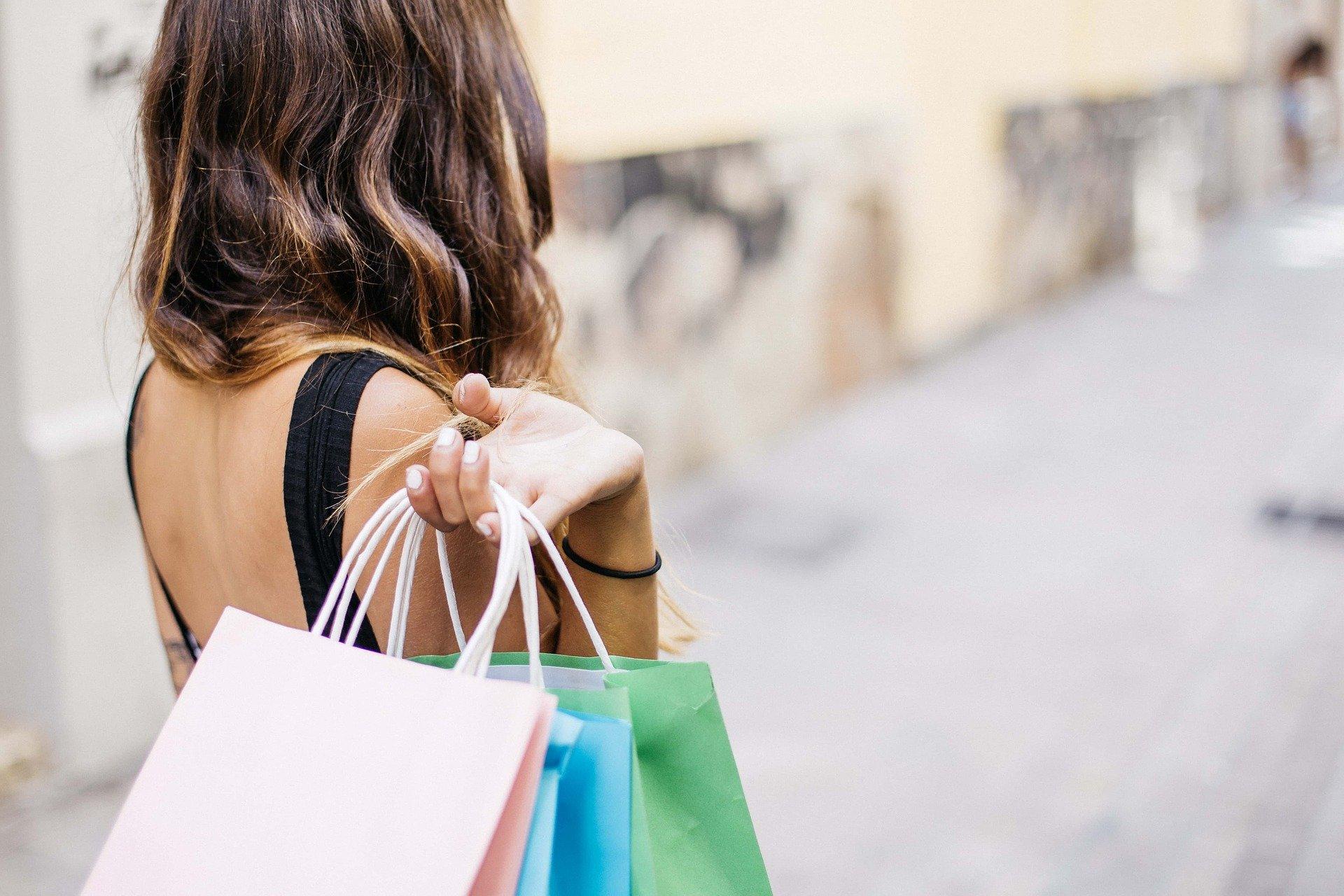 Jak mądrze kupować ubrania i nie oszaleć