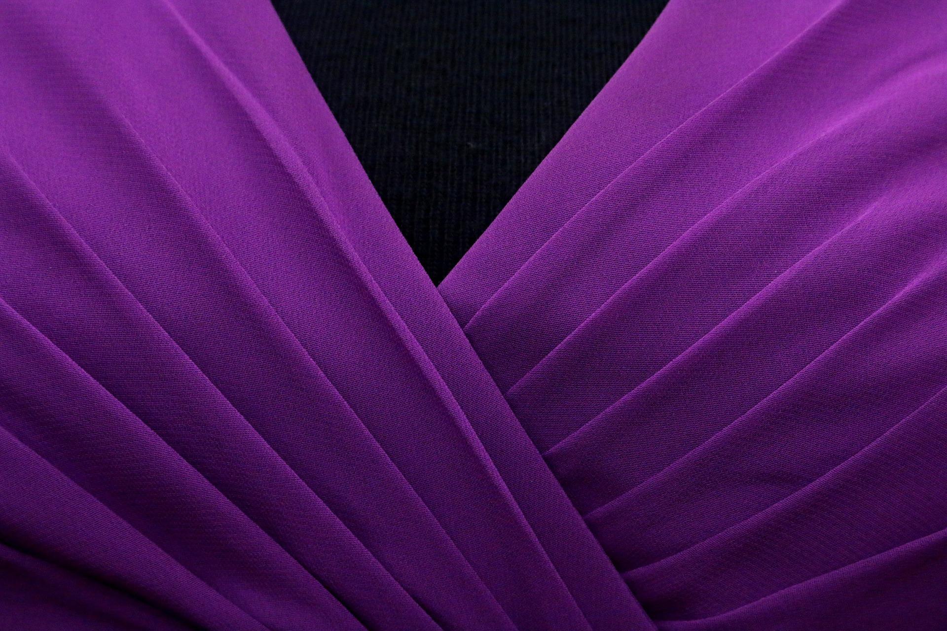 5 powodów, aby nosić plisowane spódnice i sukienki!